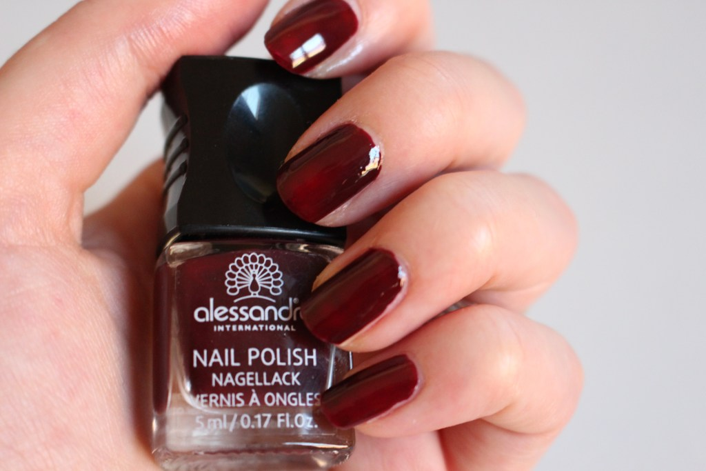 alt-nail-art-ongle-bordeaux-lady-heavenly