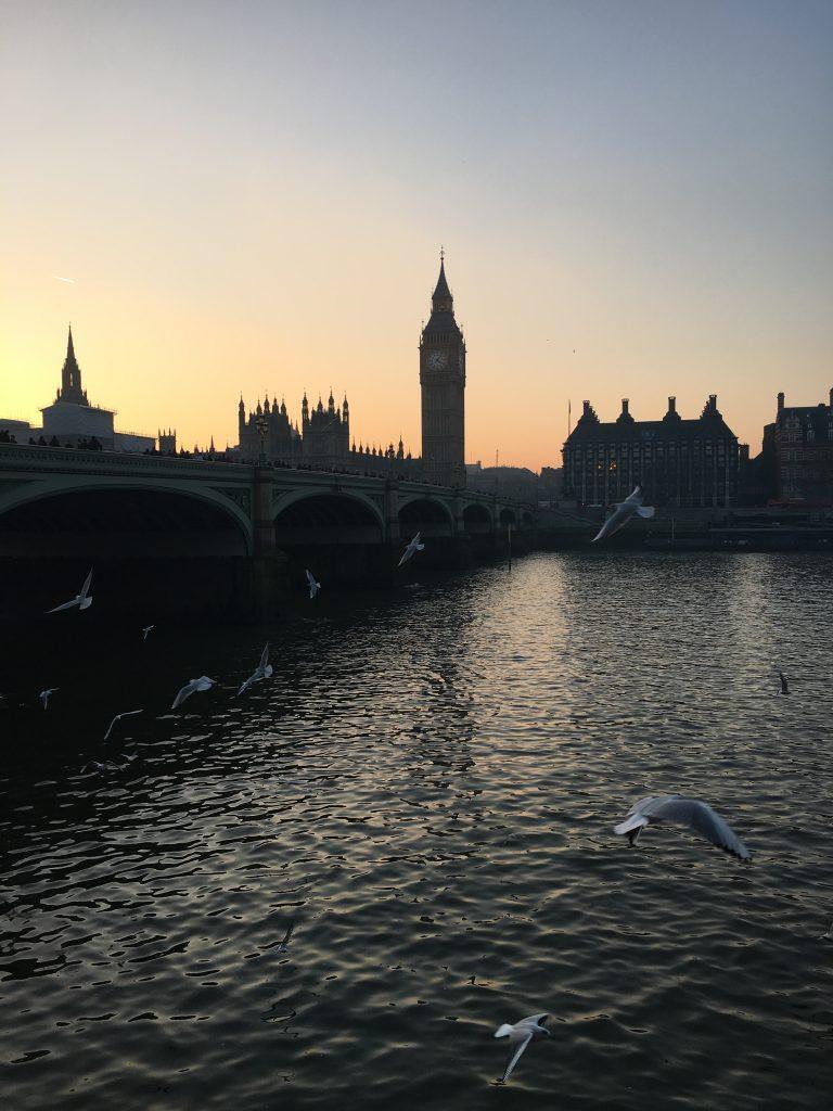 alt-vue-big-ben-tamise-pont-coucher-du-soleil