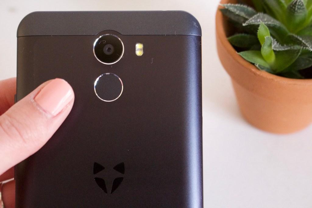 alt-empreinte-digitale-au-dos-smartphone-wileyfox-swift2