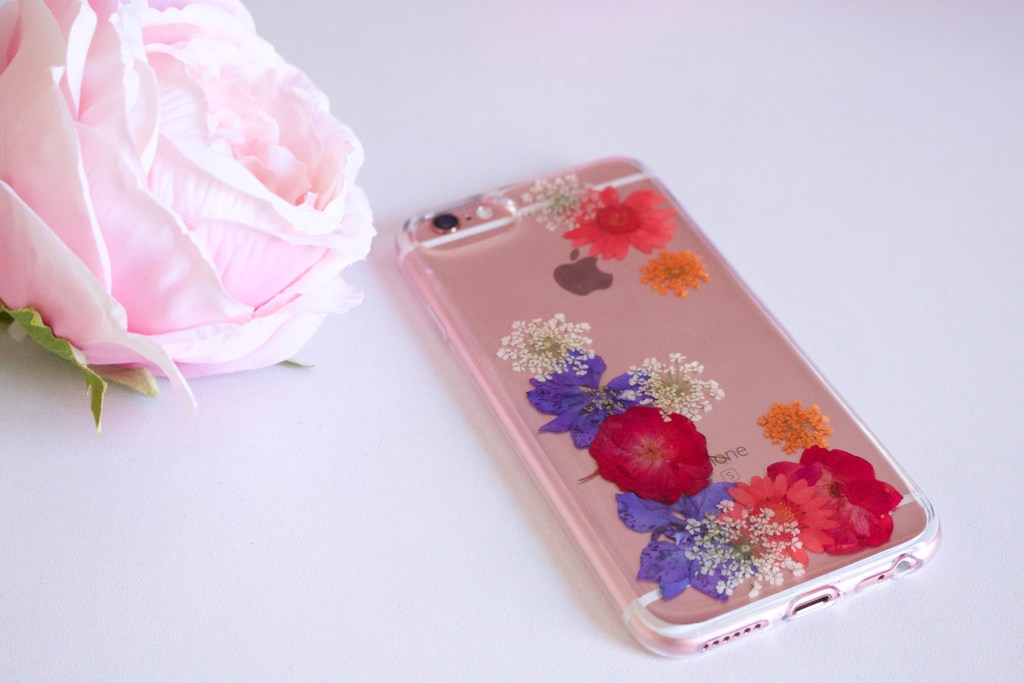 alt-coque-fleurie-smartphone-flavr-real-flower-grace