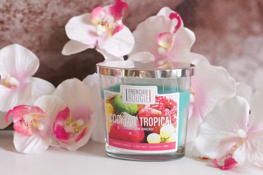 alt-bougie-fleurie-cocktail-tropical-bougies-la-française-collection-frenchie-bougie