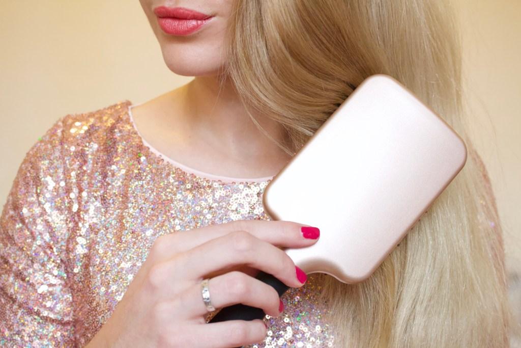 alt-brosse-à-cheveux-christina-aguilera-coiffure-lady-heavenly