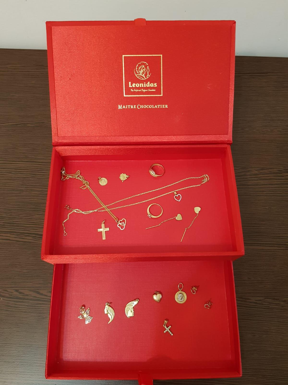 Cutiile bijoux & Love LEONIDAS