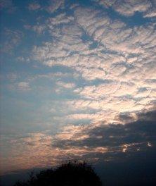 crumbling_sky_by_queenofdespair