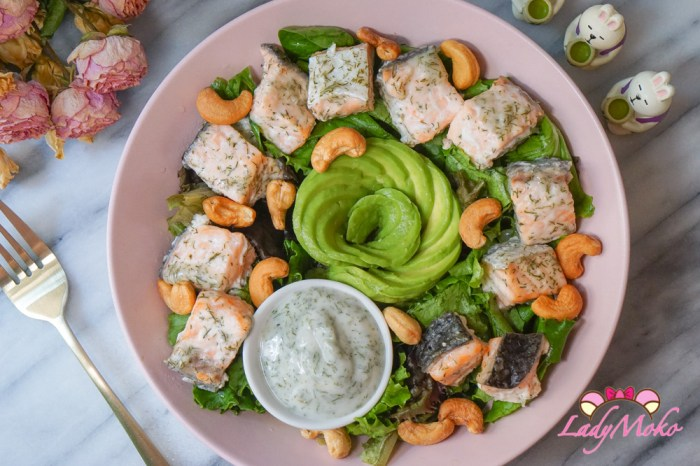 烤鮭魚茴香優格醬沙拉Salmon Salad With Herbed Yogurt Sauce|夏日清爽快速不流汗料理