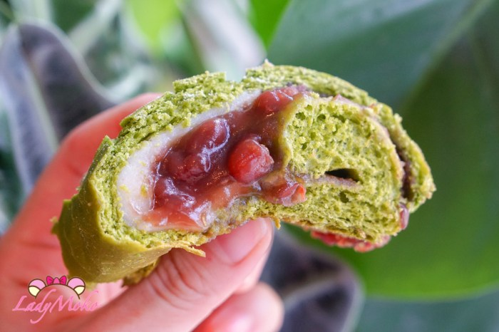 抹茶紅豆麻糬軟歐包食譜|冰不硬烤不爆麻糬食譜+柔軟歐包食譜推薦