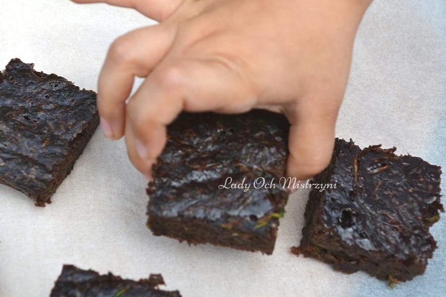 Domowe ciasto z cukinią