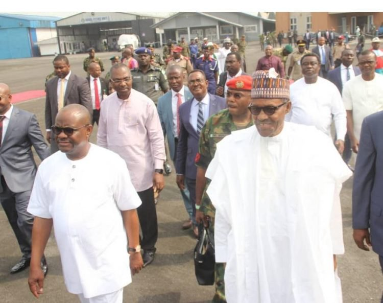 Governor Nyesom Wike Welcomes Buhari in Port Harcourt 4