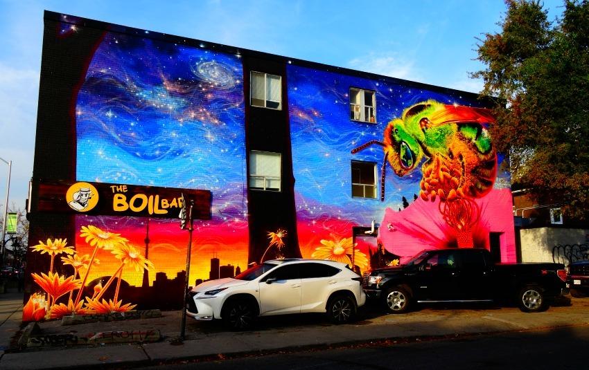 Bee street art