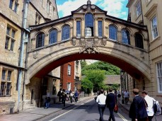 Steps of the free tour in Oxford: Bridge of Sighs in New College Lane