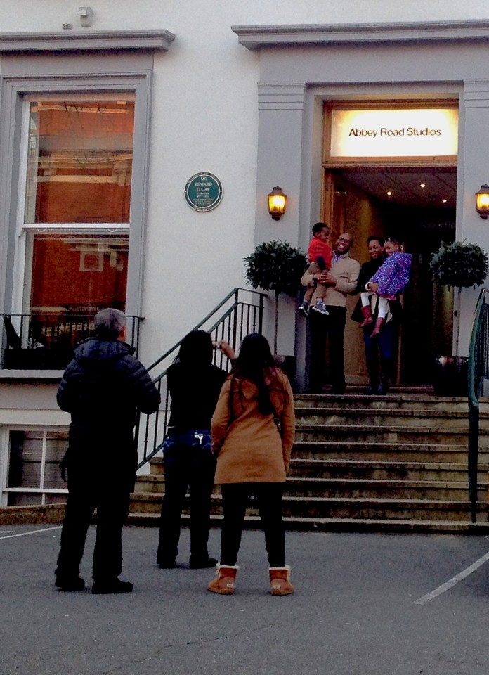 Family picture at the entrance to the Abbey Road Studios