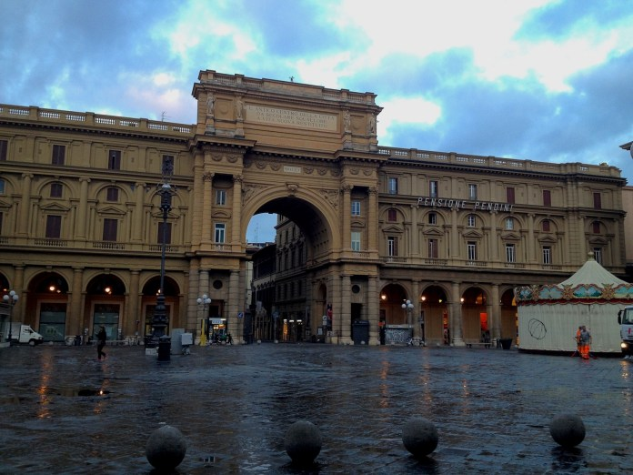 7:38. Piazza della Repubblica. In the old days its cafes and restaurants were popular among famous writers and artists.