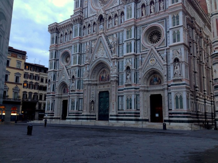 7:41. The lonely passer-by in Piazza Duomo.