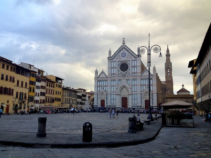 8:38. The lively atmosphere was already felt in Piazza Santa Croce, one more famous Florentine square. There was an orchestra rehearsing, probably for further event of the day.
