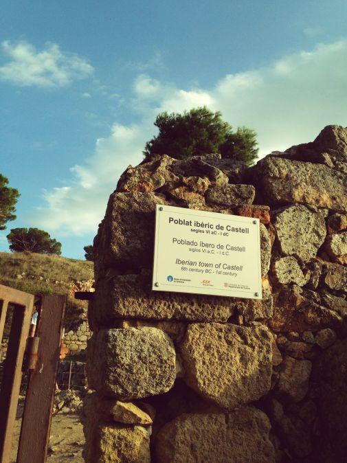 Entrada poblat iberic platja castell