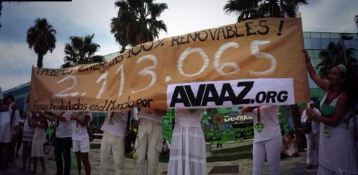 Total de firmas recogidas por Avaaz pidiendo energías limpias: dos millones cien mil.