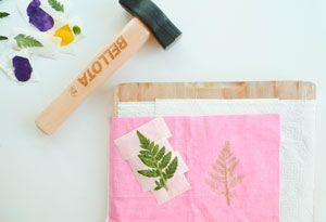 Estampación textil en casa con flores naturales. DIY.