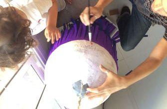 cómo hacer una piñata sostenible