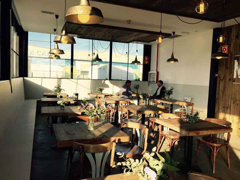 Restaurante Km 0: Next Door Community Bar (A Coruña)