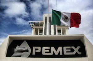 """Antes de que inicie el nuevo gobierno, Pemex acelera cierre de acuerdos , emite bonos y contrae deuda por 3,500 millones de dólares"""", revela Bloomberg"""