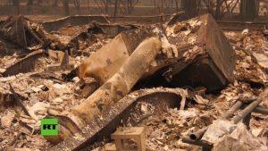 Videos: Trump en California para evaluar daños de incendios