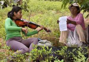 Orquesta boliviana aparta a niños y jóvenes del alcohol y las drogas