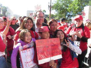 Video: El triunfante movimiento de maestros de Los Angeles, vinculado con padres y la comunidad, asumido ya como modelo en otras partes de California y de Estados Unidos