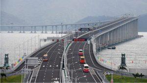 China pone en servicio el puente sobre el mar más largo del mundo: 55 kilómetros