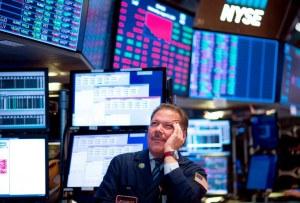 Wall Street se desploma ante temores de una recesión