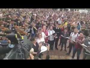 Videos: 'Cacerolazo sinfónico' de protesta contra Duque en Colombia