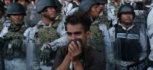 Indagan más de 20 probables redes de traficantes de migrantes en México