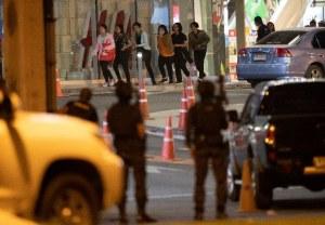 Video: Policías abatieron al soldado que mató a 20 e hirió a 42 en un centro comercial, en Tailandia