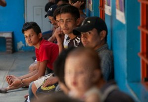 Video: Se desploma cruce de migrantes a EU y lista de espera de asilo: Ebrard