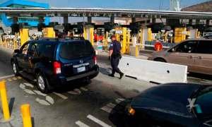 México acuerda con EU extender 30 días más restricciones de viajes no esenciales en la frontera común