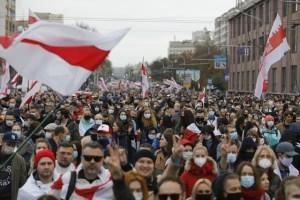 Nueva protesta masiva en Bielorrusia contra régimen de Lukashenko