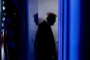 """Trump despide a alto funcionario que aseguró que las elecciones fueron las """"más seguras de la historia"""""""