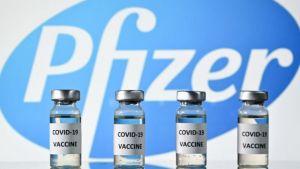 Plan de vacuna de refuerzo de Pfizer genera controversia en EU