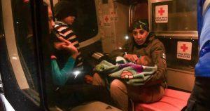 Video: 327 migrantes, 120 menores entre ellos, son rescatados de casa de seguridad en Nuevo León, México