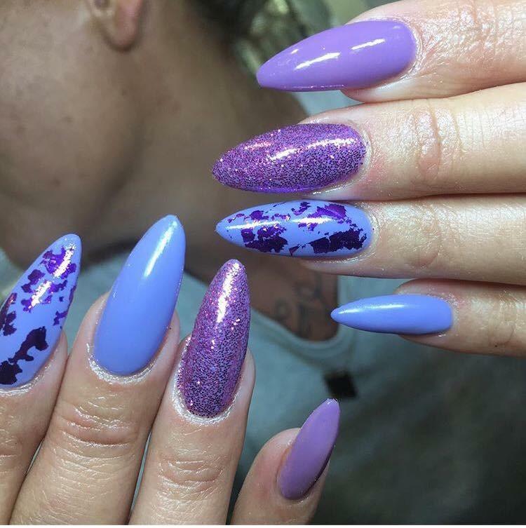 lilla akryl negle