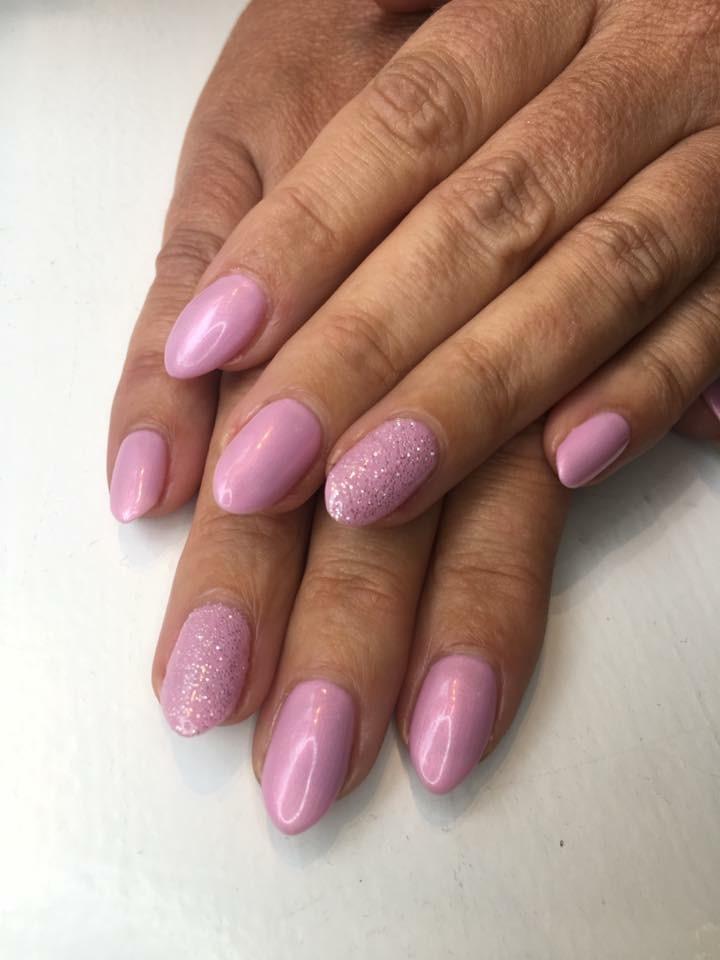 lyserøde shellak negle rødovre