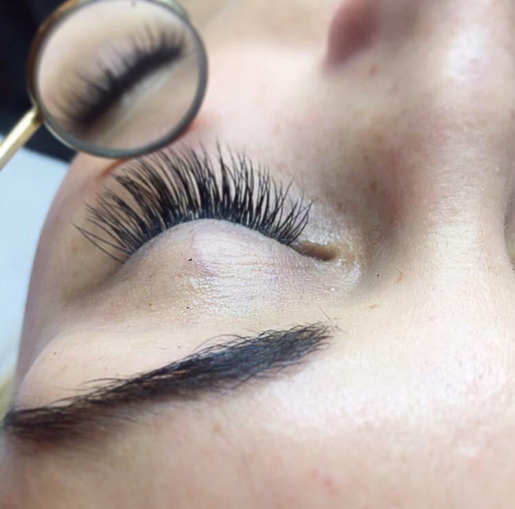 volume-eyelashes-koebenhavn