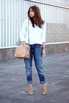 navy-boyfriend-jeans-zara-jeans-white-gap-shirt-tan-zara-bag_400