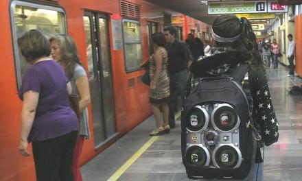 Bocineros en el Metro, comercio informal y corrupción