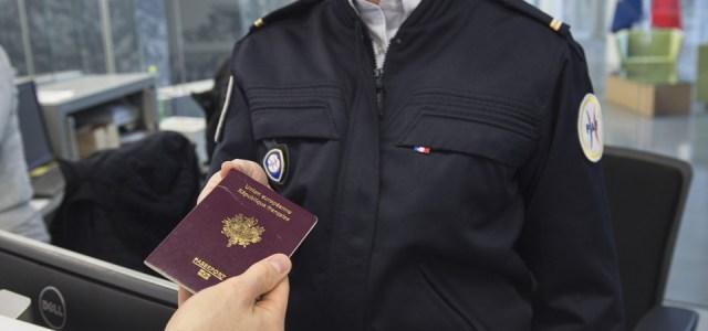 Aéroports de Paris : 100 policiers de plus pour réduire l'attente aux contrôles