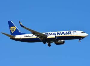 Boeing_737-800_Ryanair