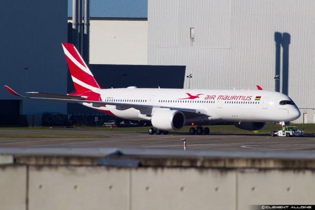 Airbus_A350-900_Air_Mauritius_essais_sol
