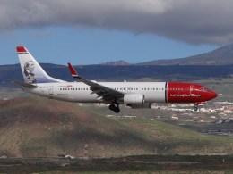 Boeing_737-800_Norwegian_LN-DYD _TFS