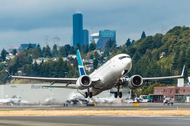 Boeing_737_MAX_8_WestJet