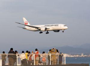 Boeing_787-8_Japan_Airlines_Osaka-Kansai