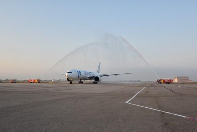Air_Austral_Boeing_777-300ER_vol_inaugural_Marseille_13-octobre-2017
